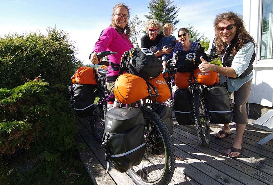 With Isabelle, Simon and Leo at NOMADS² cycling odyssey's KM 0: their hytte (Norwegian cabin).
