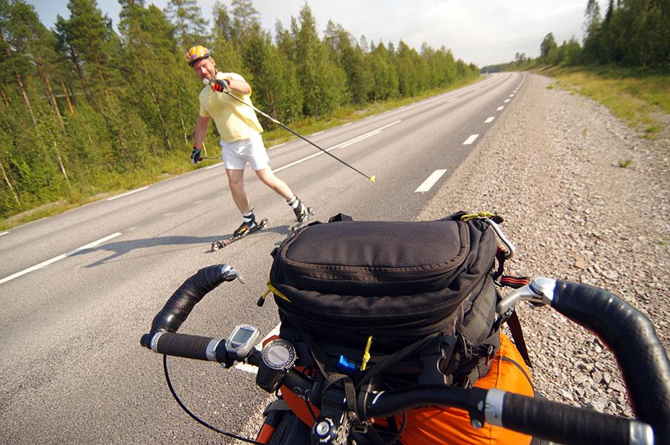Compagnie sur la E45, à la sortie de Svappavaara. Lapland.