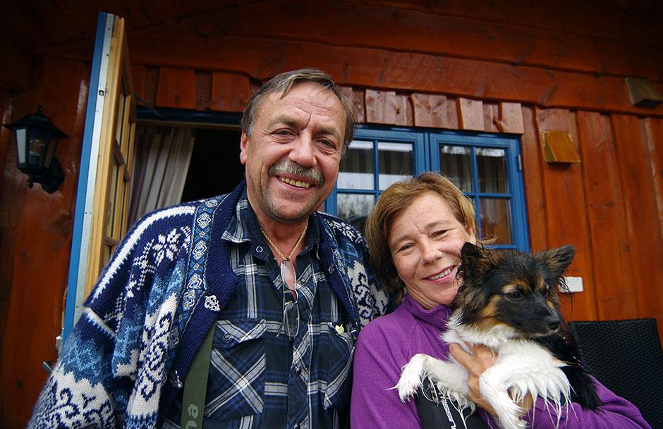 Nos hôtes et nouveaux amis norvégiens, Trine et capitaine Kurt. Finnmark.