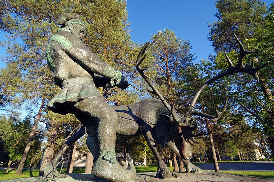 Premiers nomades de l'odyssée vélocipédique tels qu'immortalisés à Sodankylä. Lappi.
