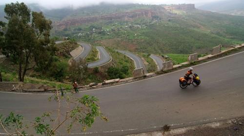 Hauts plateaux éthiopiens: le ciel et l'enfer! (Mékélé, Éthiopie – KM 14 125)