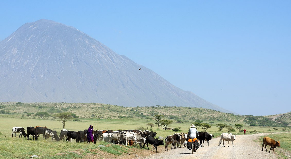 Nomades et volcans! (Engaresero, Tanzanie – KM 19 880)